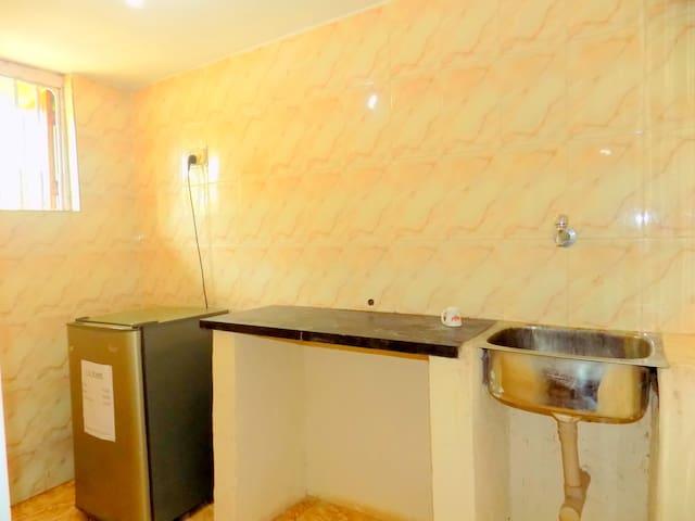 AIR CONDITION ROOMS AT BEACH - Candolim - Casa