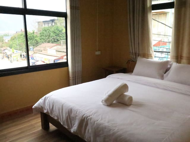 Vang Vieng Sunset Double Room 4