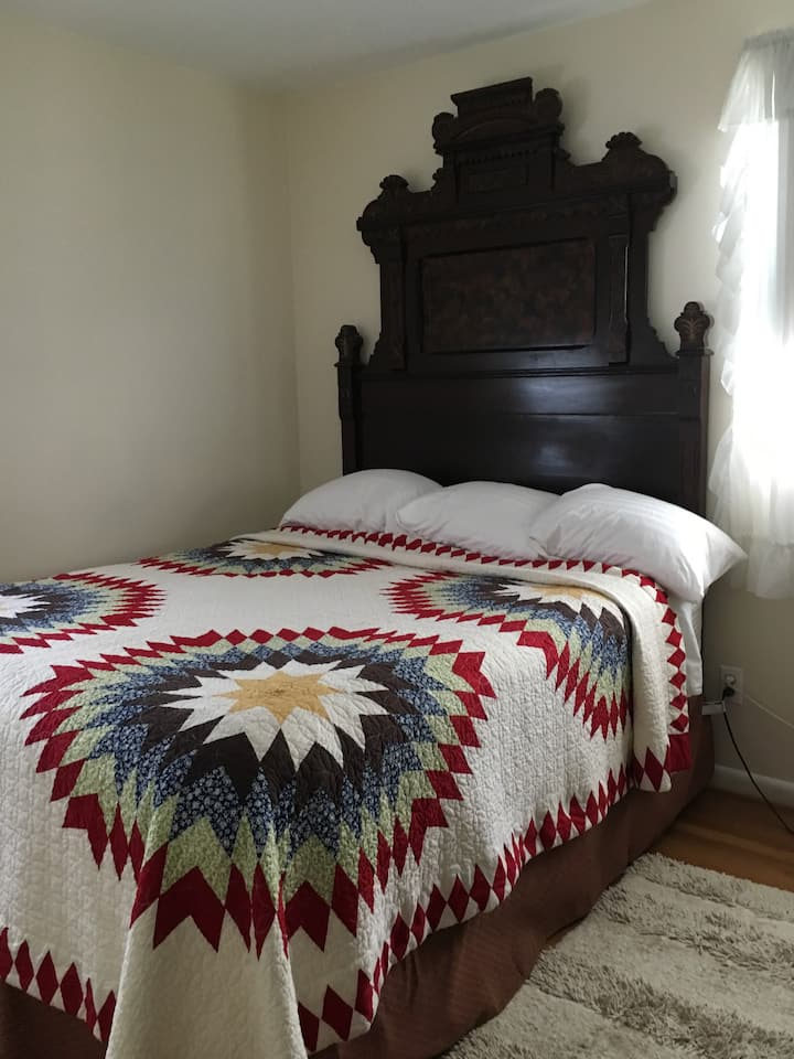 Private Bed & Bathroom btwn Hunt Valley & Towson
