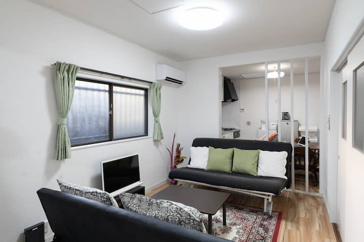 2 mins from Hase sta. near Great buddha. 4 beds rm