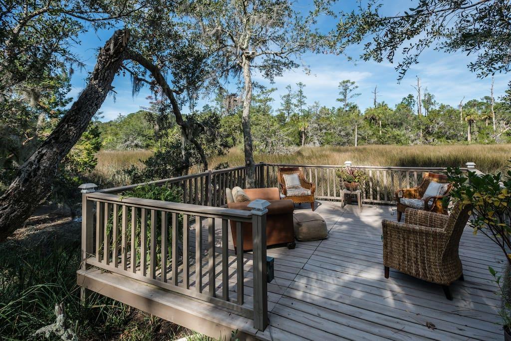 An oasis on the marsh awaits you!