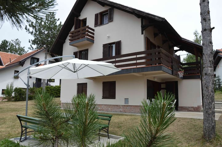 Zlatibor - Apartmani Vera - Zlatibor - House
