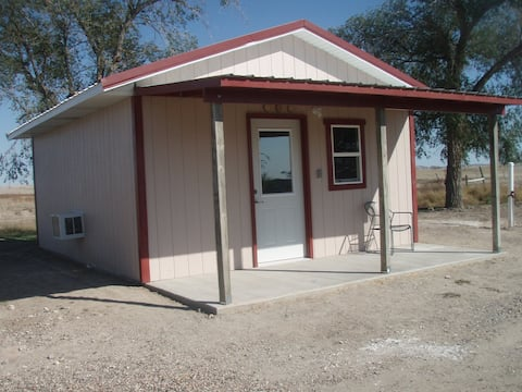 Badlands Guest Cabin- Pet friendly!