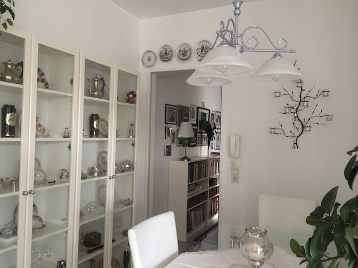 Charming flat in Colognes' heart