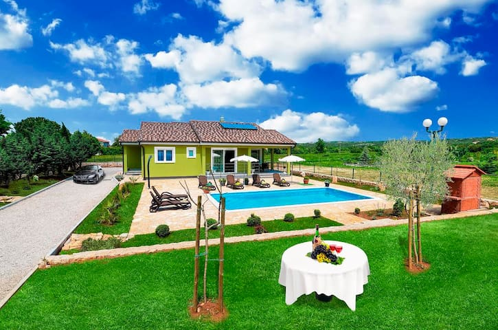 Villa  Verde - Newly Built in 2015! - Labin - House