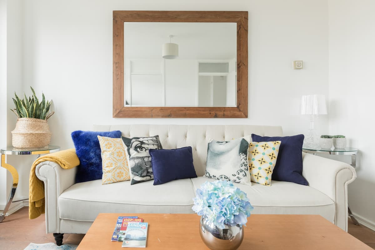 Head to Central London from a Light-Filled Apartment