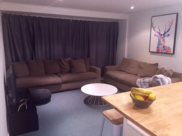 2br spacious apartment with garage - Mount Buller