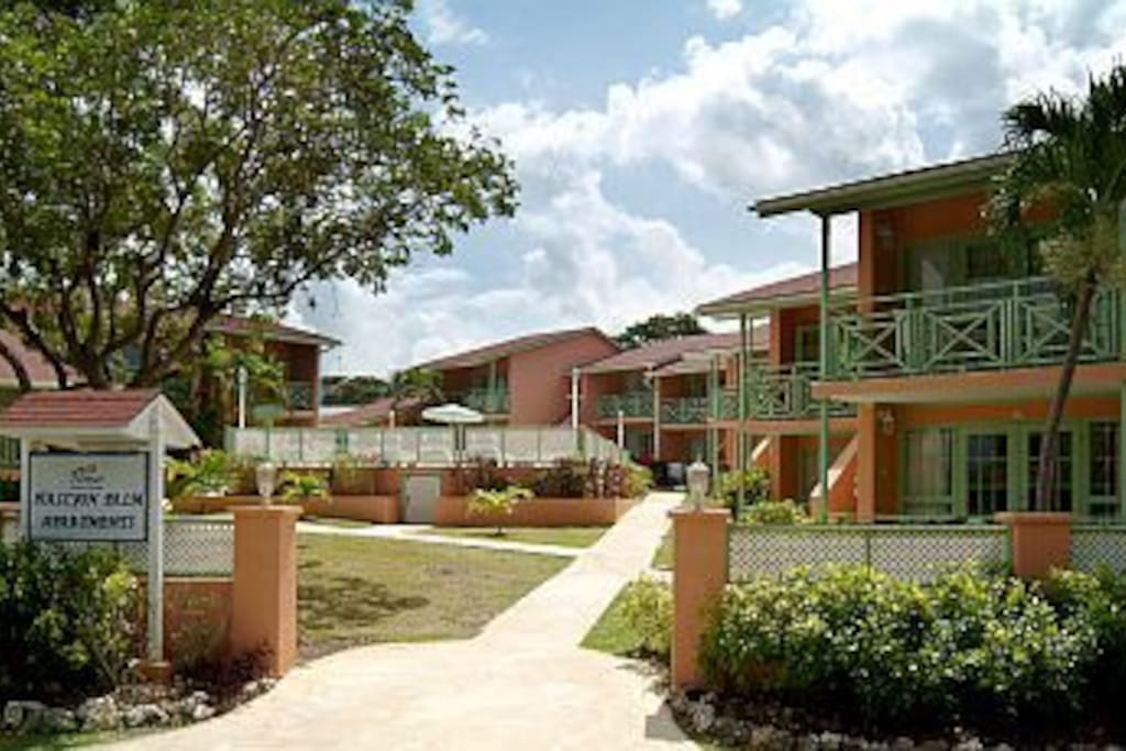 West Coast 1 Bedroom Apartments Close To Beach