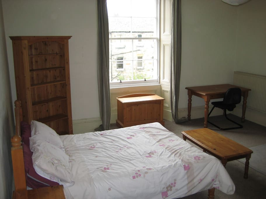 Large back bedroom. Double bed.