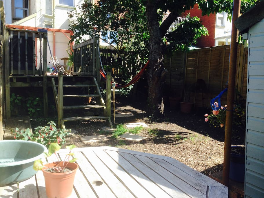More seating in garden with Breakfast table
