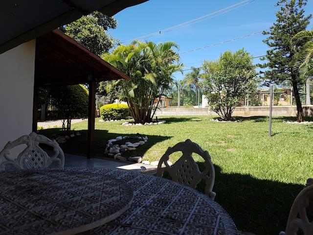 Excelente sítio em condomínio fechado perto de BH - Ribeirão das Neves - Apartament