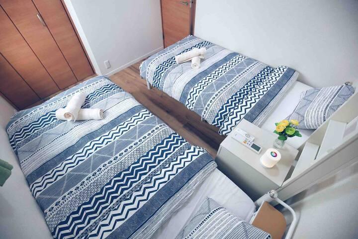 两个单人床