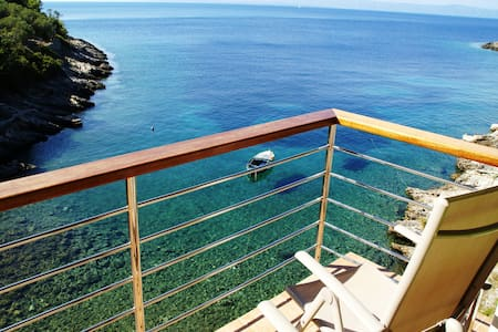 Remote beach house 6m from the sea! - Vela Luka  - Apartamento
