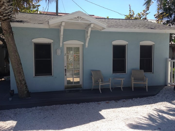 A Special Oceanfront Cottage with Heated Pool!