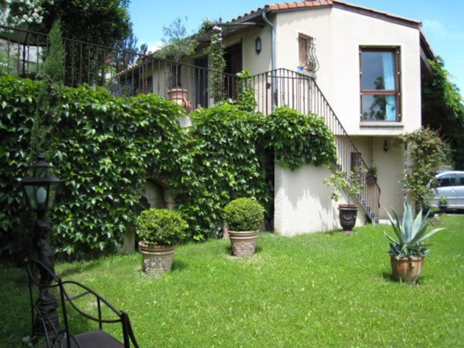 La gloriette apartments for rent in la roche blanche - Petit jardin tropical clermont ferrand ...