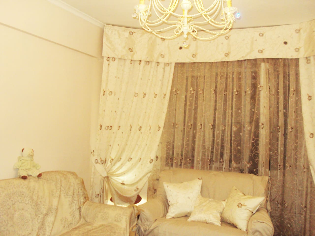 The centre-piece of the flat is a classy and stylish room which includes a sofa-bed and piano. A great place for relaxation