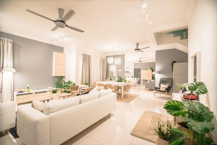 Australian Beach House -The Duyong Dream