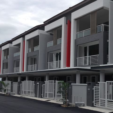 Happy Choice Homestay - 4 rooms (10 people) - Malacca - House
