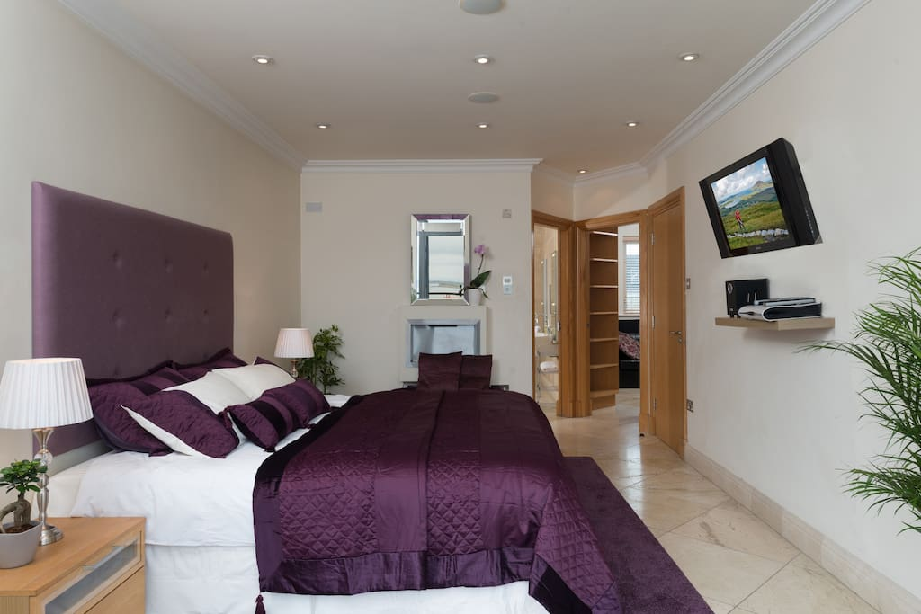 Bedroom Satellite TV, DVD and Speakers with smartphone/Tablet dock
