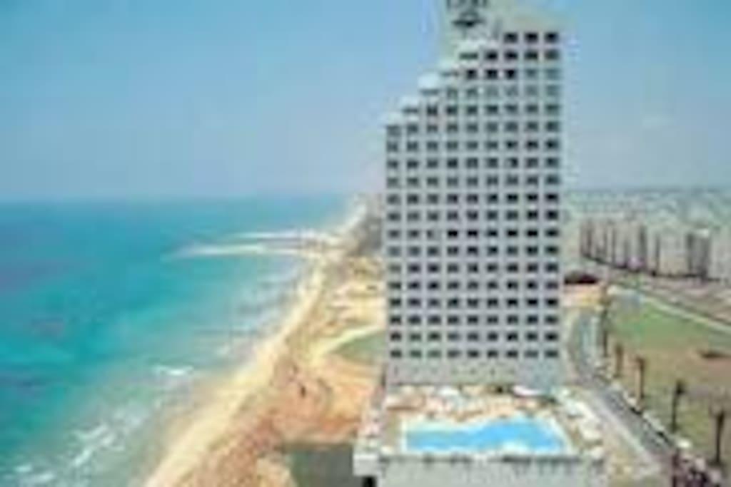 Le carmel les pieds dans l 39 eau apartments for rent in for Appartement israel netanya