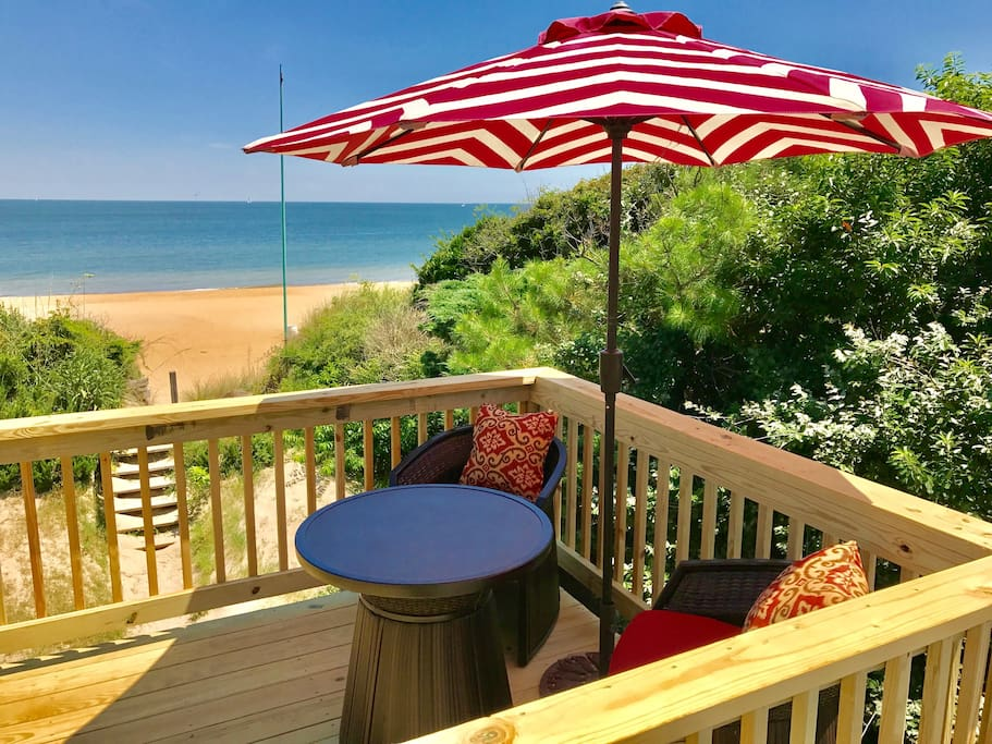 Have your coffee and watch dolphins from one of four outdoor decks - all with views of the bay