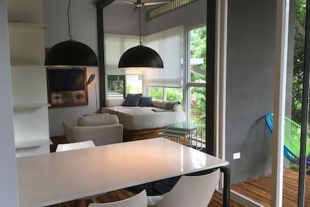 Casa Cielo, neues modernes Studio! - Gæstehus