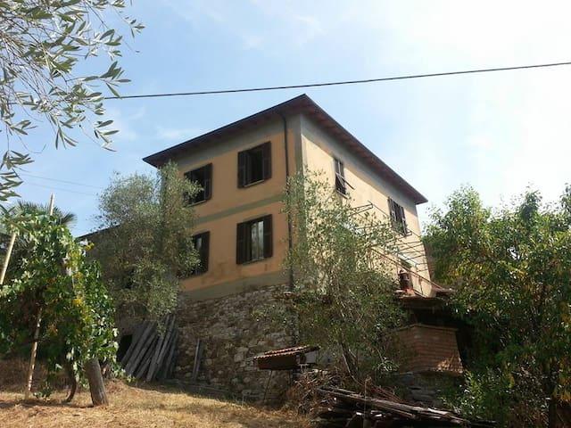 Cà Giulietto antico casale nel verde 5 terre - Pontremoli