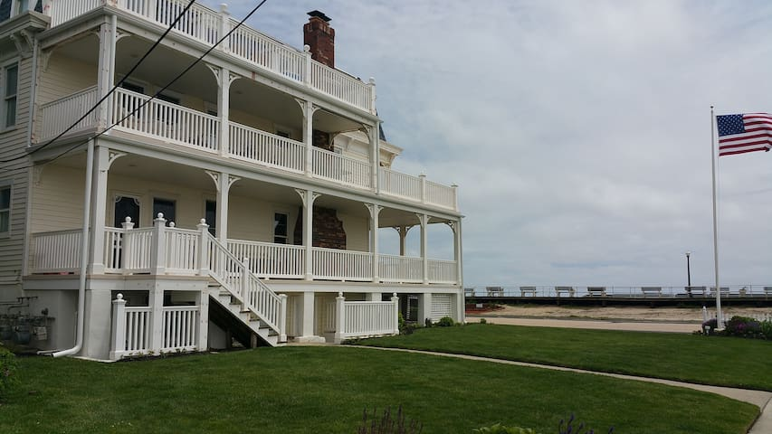 Ocean Front 2 BR Condo on the shore - Neptune Township
