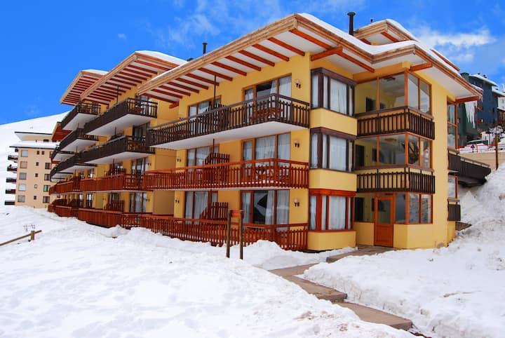 Apartment IN LA PARVA SKI RESORT TICKTES 50% OFF