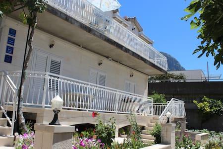 Apartment for 2+1 Gradac - Gradac