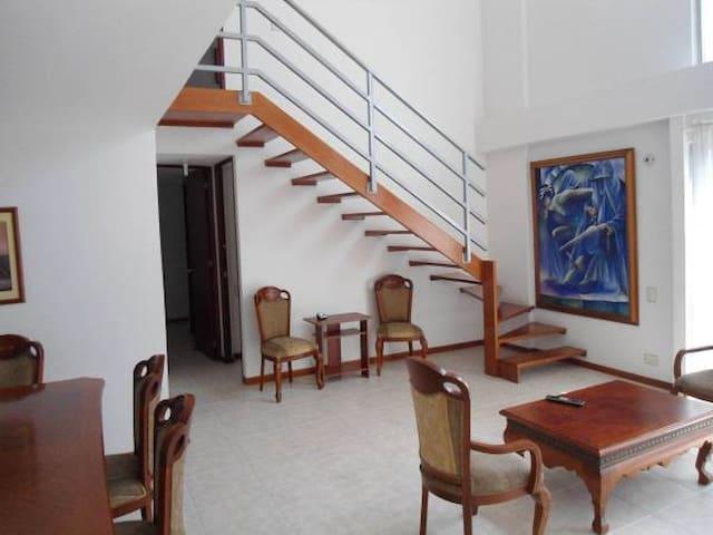 THREE BEDROOM APARTMENT PATIO BONIT - Medellín - Apartment