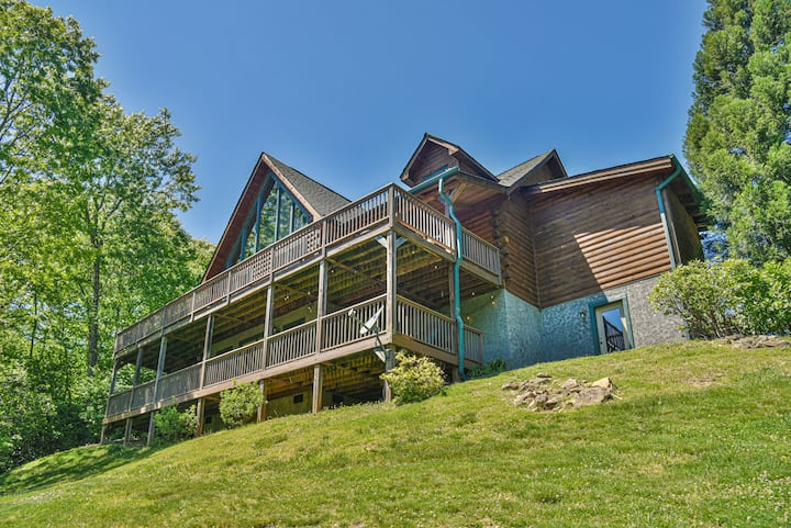 Sydney Falls Cabin - 5BR, Mountain Views, Creek with Waterfall, Trails & Hot Tub
