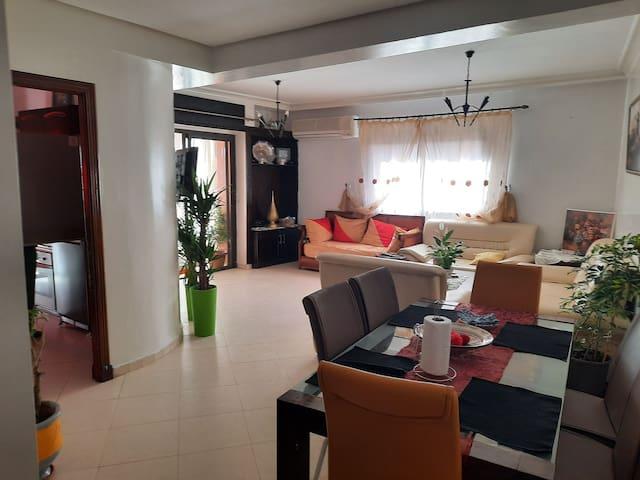 Bel appartement au centre de Marrakech avec balcon