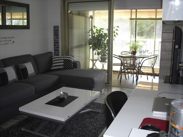 Agréable studio à 200m de la mer - St-Laurent-du-Var - Appartement