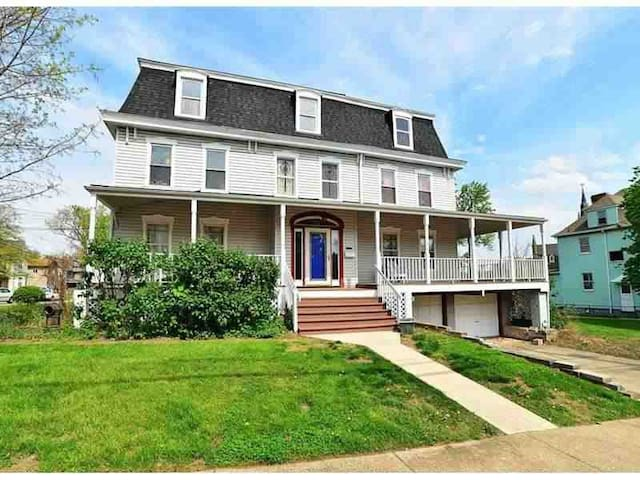 Renovated 1800's French Victorian!! - Pittsburgh - House