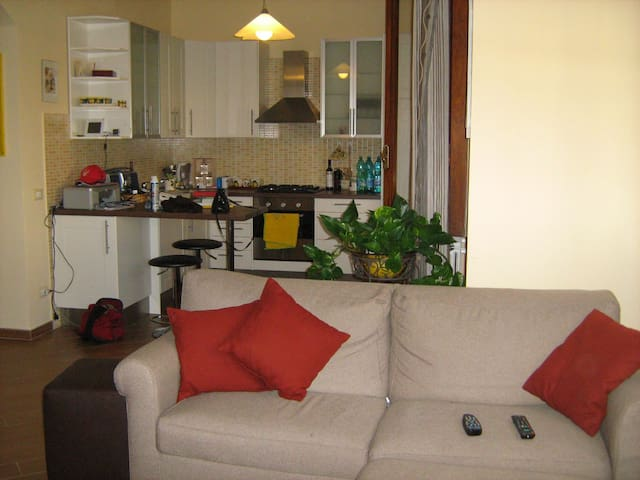 Lovely flat 55m2 near train station - Firenze - Apartment