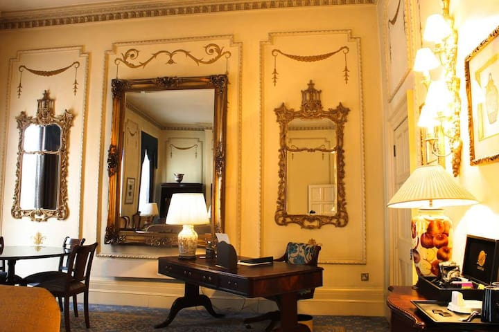Feel like home in this Luxury Grand Suite