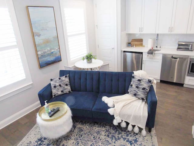 BRAND NEW Hyde Park/SoHo/Bayshore Guesthouse
