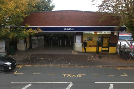Guildford Central - Next to Station - Guildford - Haus