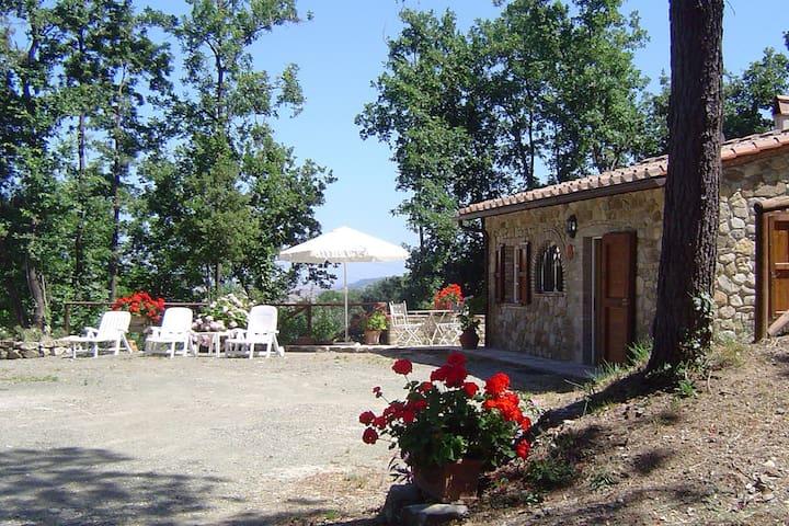 "Romantic Cottage ""La Pineta"" - Chianni - Cabaña"