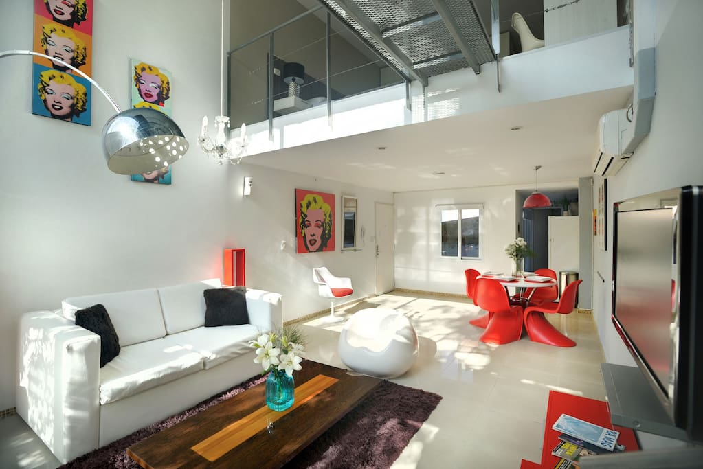 Loft Decorado super minimalista estilo Pop Art