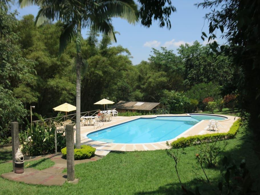 Caba as r o il la vega caba as en alquiler en la vega for Alquiler de casas con piscina privada que admiten perros