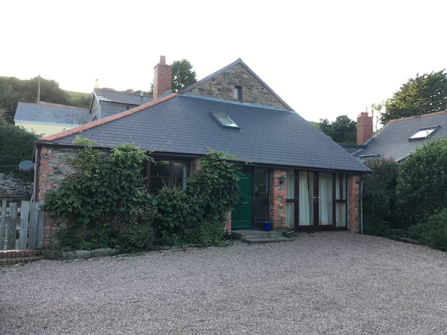 4 bedroom barn conversion, ideal location - Woolacombe - Rumah