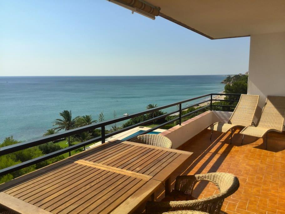 Primera linea de playa con piscina apartamentos en - Camping con piscina climatizada en tarragona ...