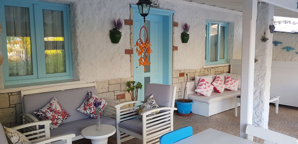 Kekik Alacati Boutique Hotel with Special Prices