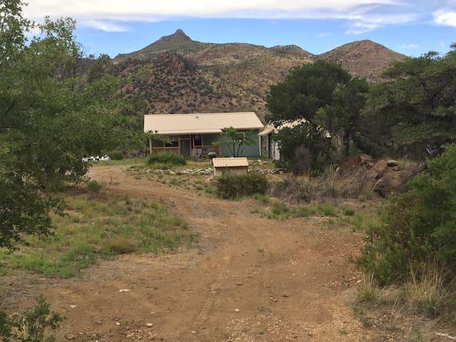 REMOTE Nature-Lover's retreat in SE Arizona - Portal - House