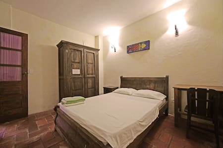 Bedroom with AC in historic center. - Rumah