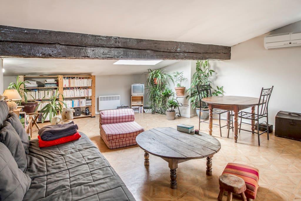 T2 avec grande terrasse appartements louer for Appartement t2 bordeaux a louer