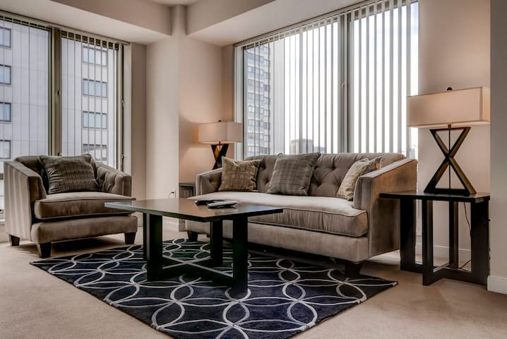 Luxurious 1BR | Upscale Amenities West End | MGH