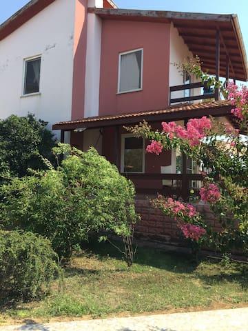 Saros körfezi gelibolu - Koruköy Köyü - บ้าน